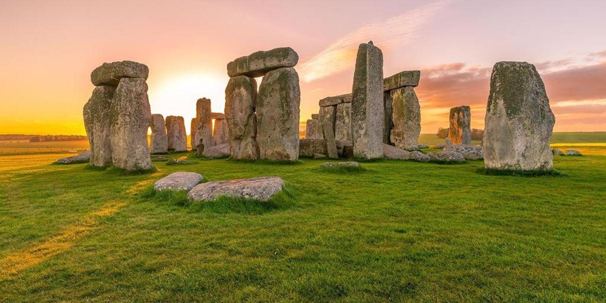 Il Solstizio d'estate tra i megaliti di Stonehenge
