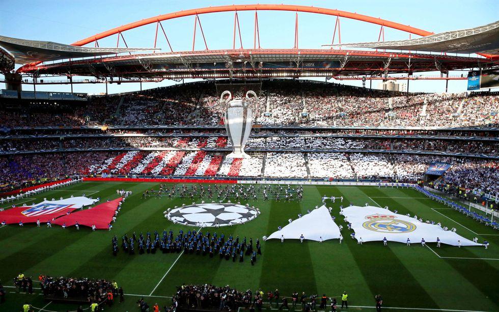 Il virologo del Napoli: «Sarebbe opportuno rimandare il match con la Juventus»