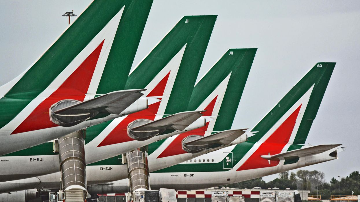 Alitalia |  le frasi celebri dei suoi salvataggi