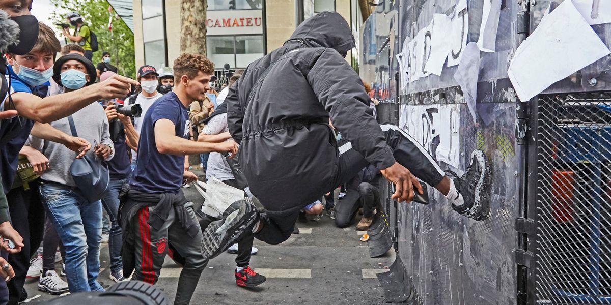 La Francia fuori controllo