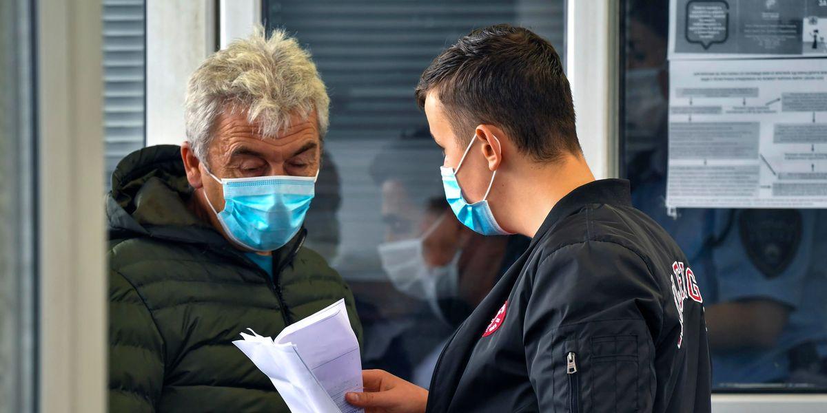 """Problemi di udito e Coronavirus: comunicare """"oltre"""" la mascherina"""