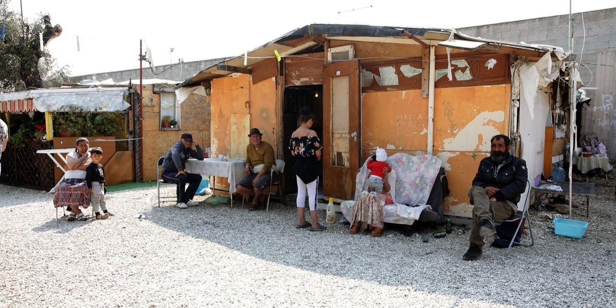 Abbiamo speso (inutilmente) centinaia di milioni per i campi Rom e nessuno tiene il conto