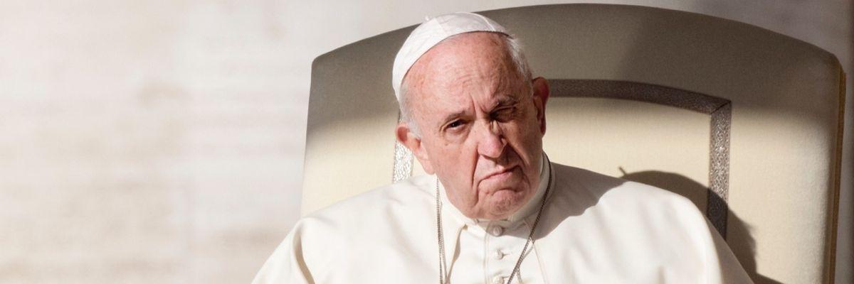Tutti i guai di papa Francesco