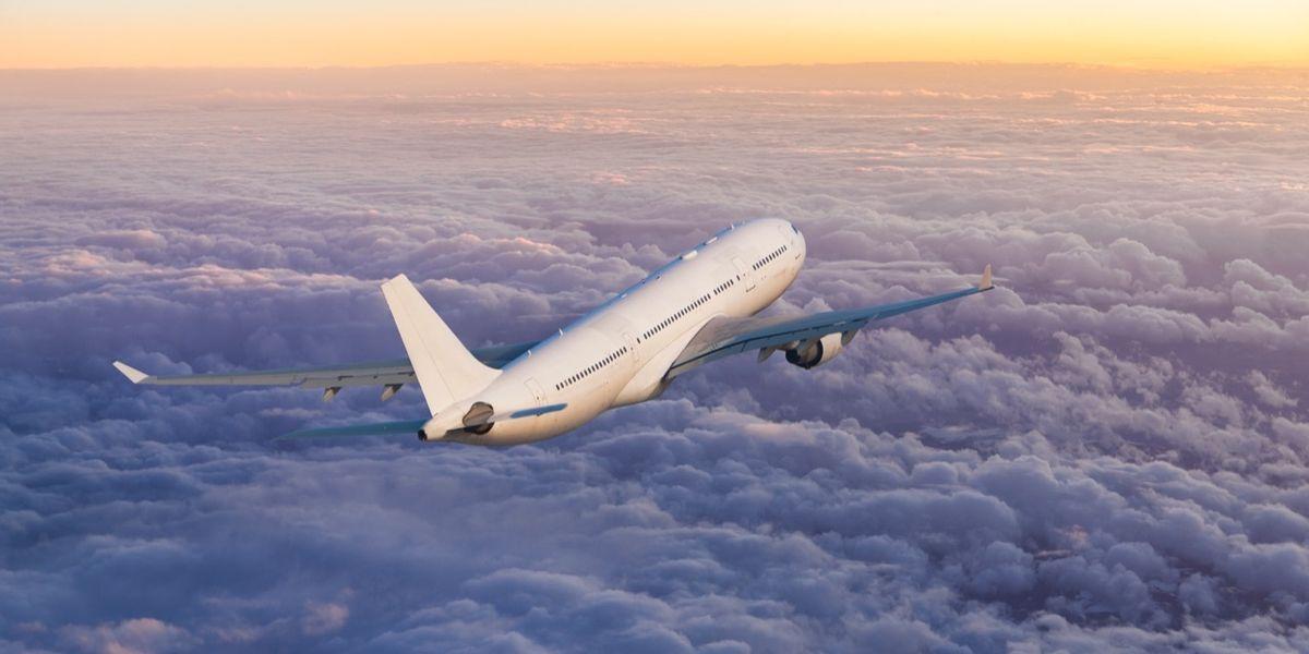 Idrogeno, il gas più diffuso nell'universo che useremo come carburante per gli aerei