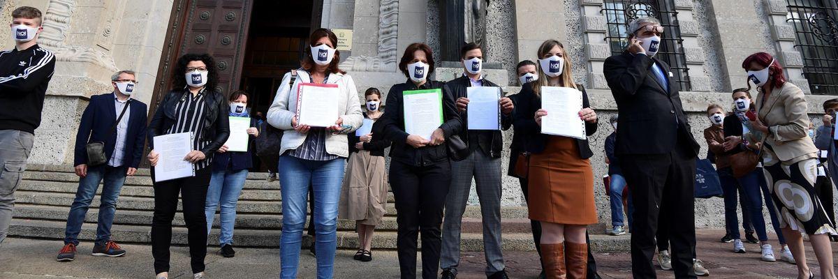 Il comitato che chiede giustizia per le vittime di Covid