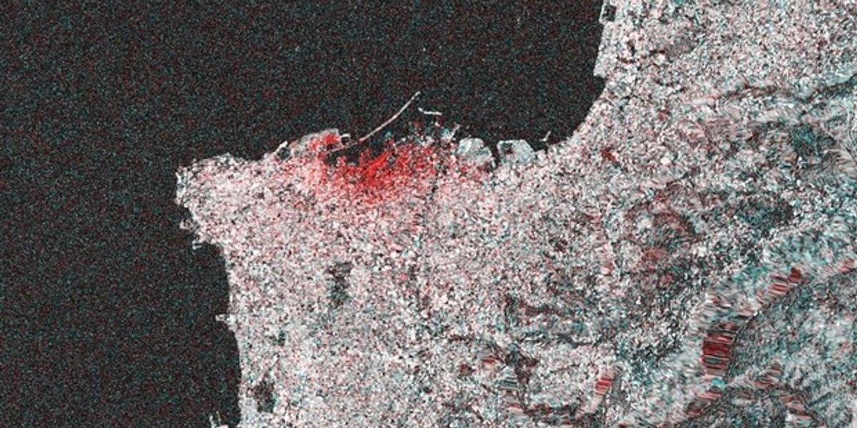 Esplosione a Beirut, le immagini dal satellite raccontano la distruzione