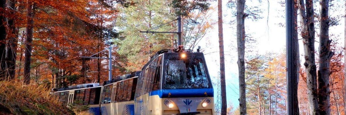 L'autunno dal finestrino di un treno