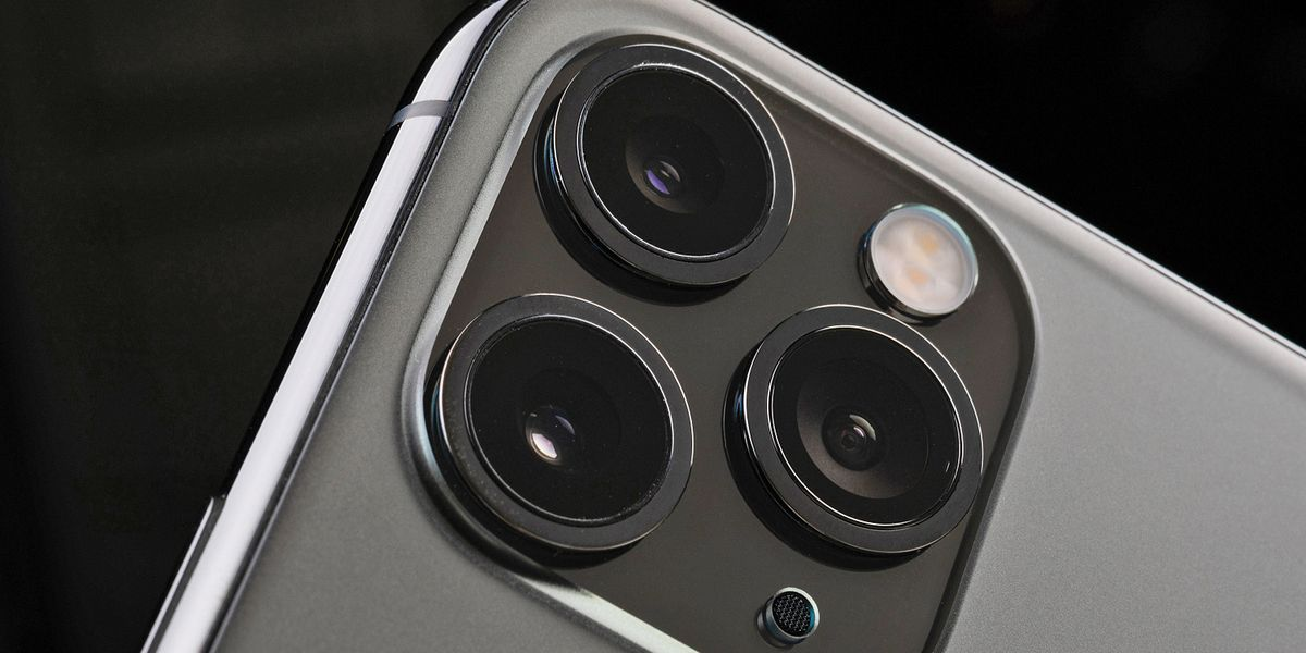 iPhone 12, occhio alla truffa