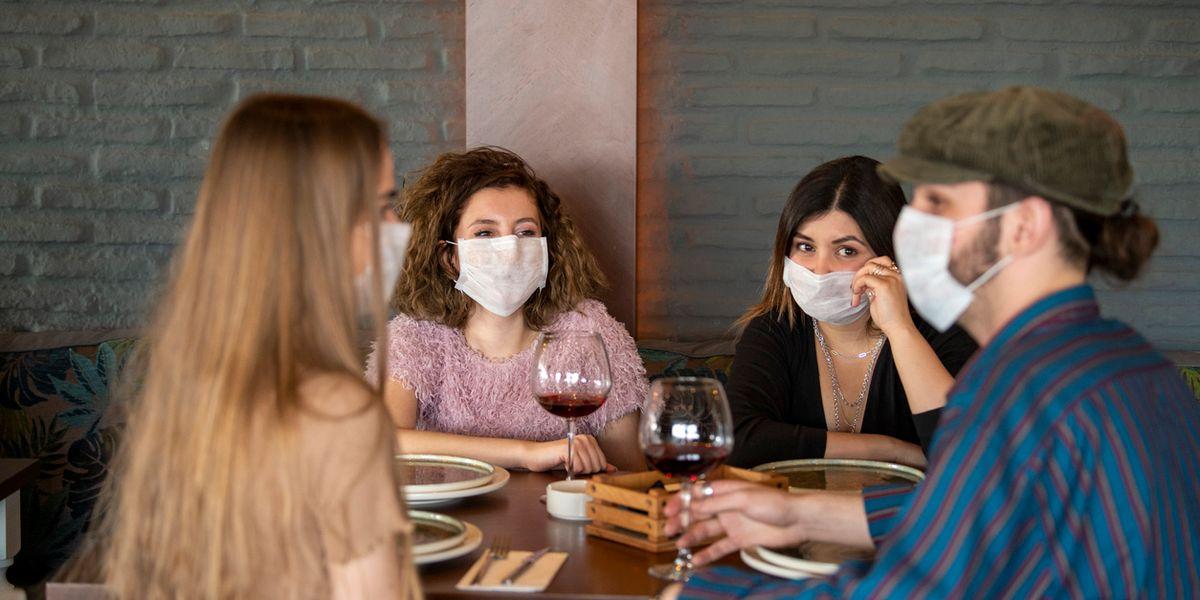 Due italiani su tre vanno meno al ristorante per colpa del Covid