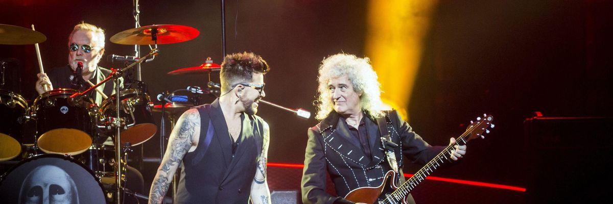 """Queen: con """"Live around the world"""" riconquistano la vetta dopo 25 anni"""