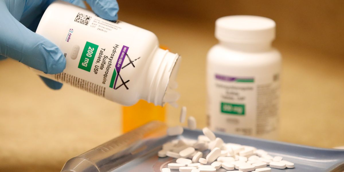 Covid: l'idrossiclorochina per molti studi funziona, ma non si può usare