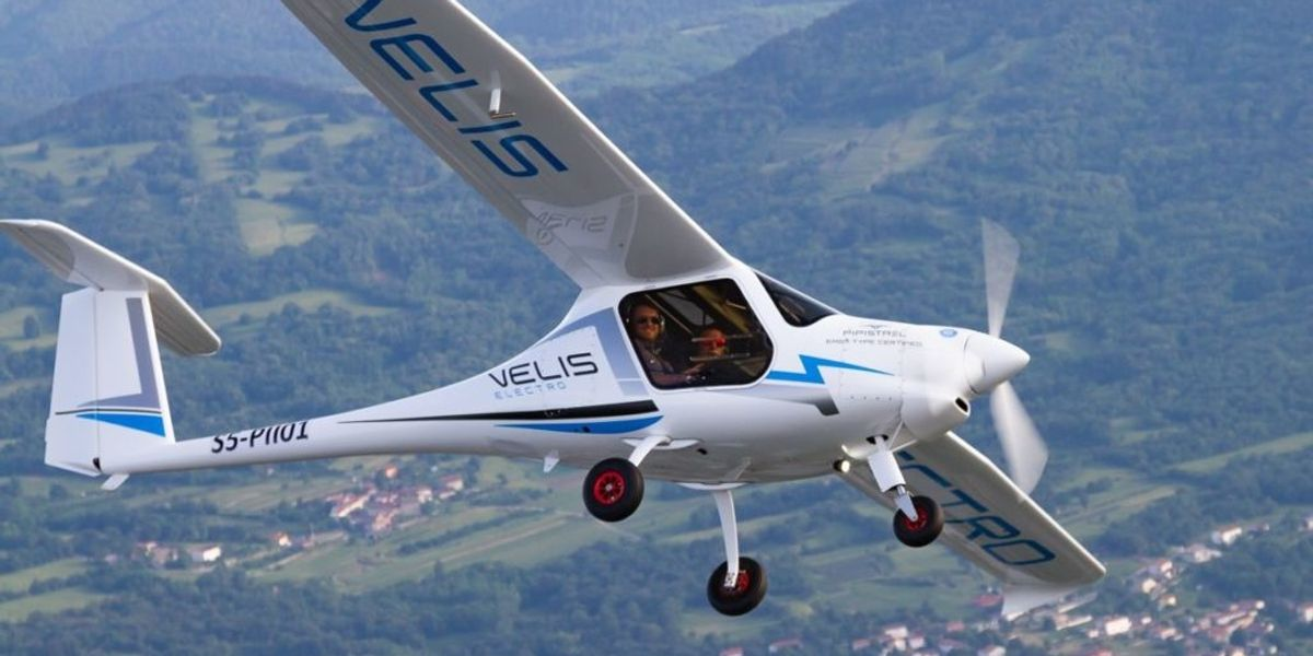 """Prima """"lezione"""" di volo elettrico"""