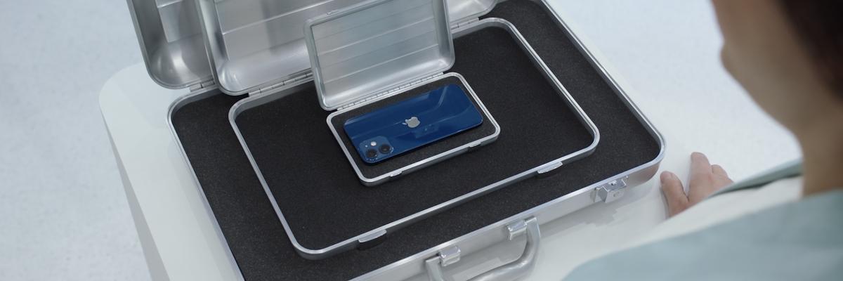 E sono 12. Apple presenta il nuovo iPhone nei formati mini, pro e max