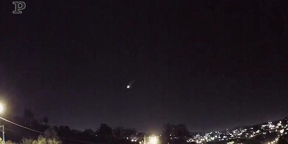 Brasile, meteora esplode nel cielo | video