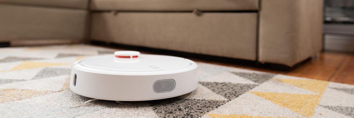 Il Robot Aspirapolvere multifunzione: pulisce e ci spia