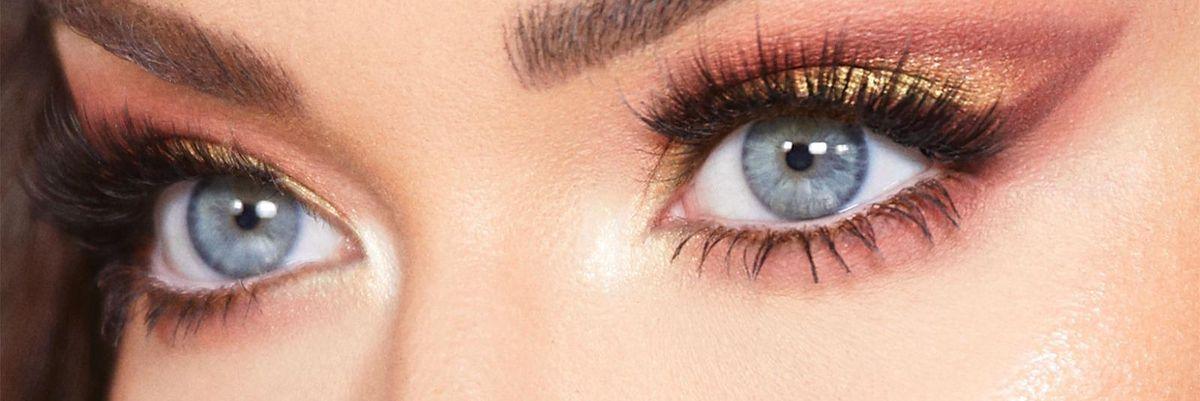 A me gli occhi. L'industria beauty punta su ombretti e eyeliner