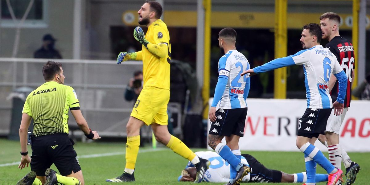 milan napoli pasqua arbitri corsa champions league juventus roma var