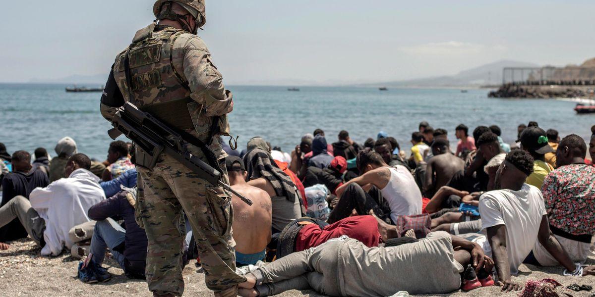 migranti spagna esercito