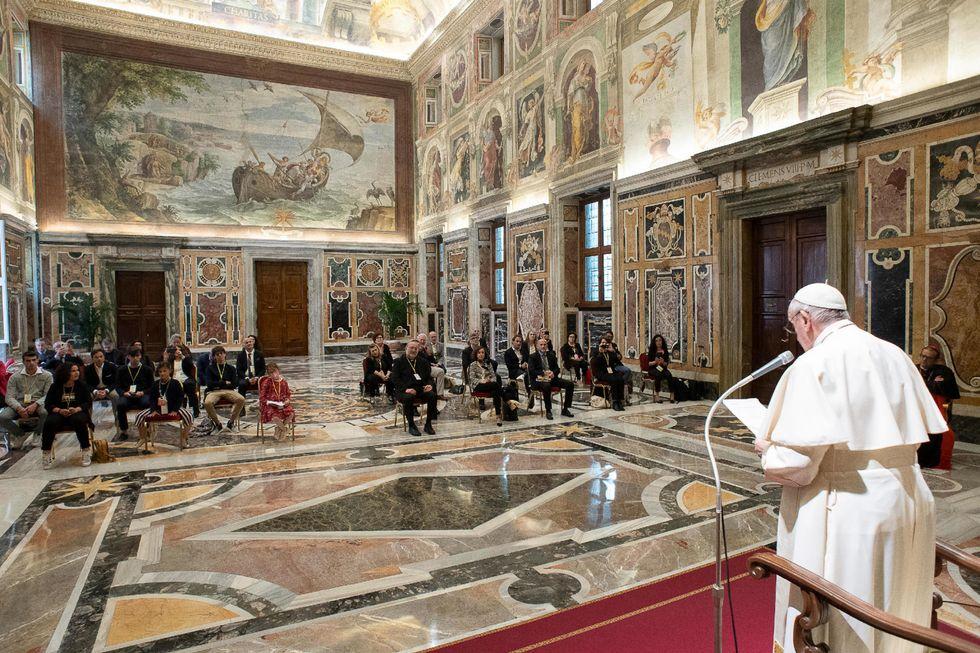 Il Papa parla di destra e sinistra. Ma contano solo i valori cristiani