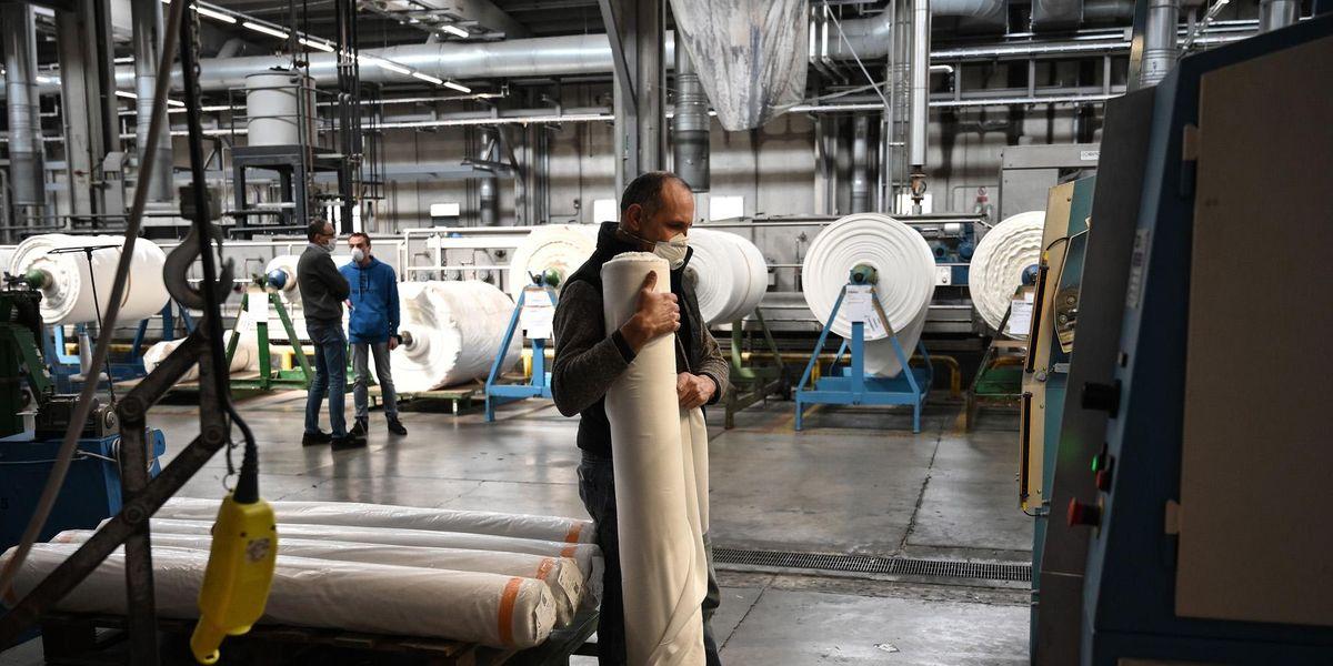 lavoro industria tessile licenziamenti