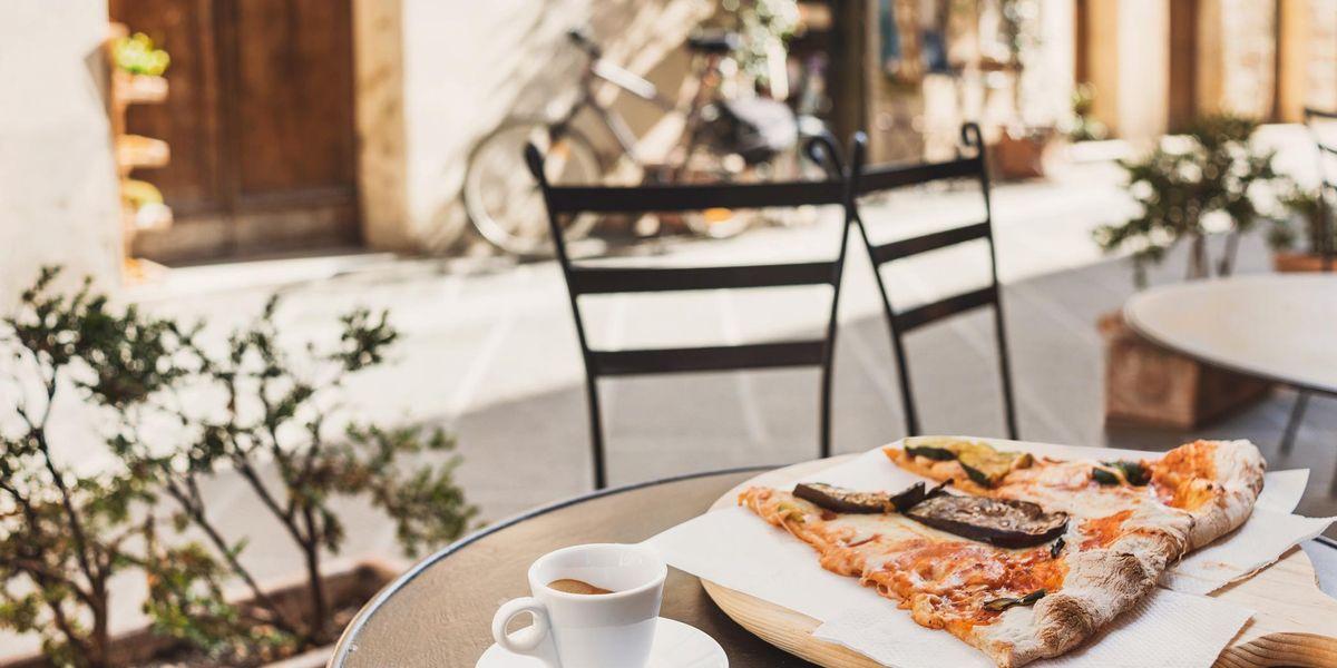 Rincari estate 2021: dal caffè alla pizza tutto costa di più