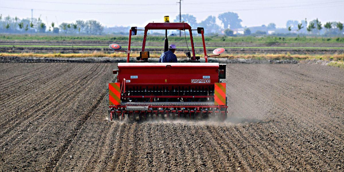 agea trattore agricoltura