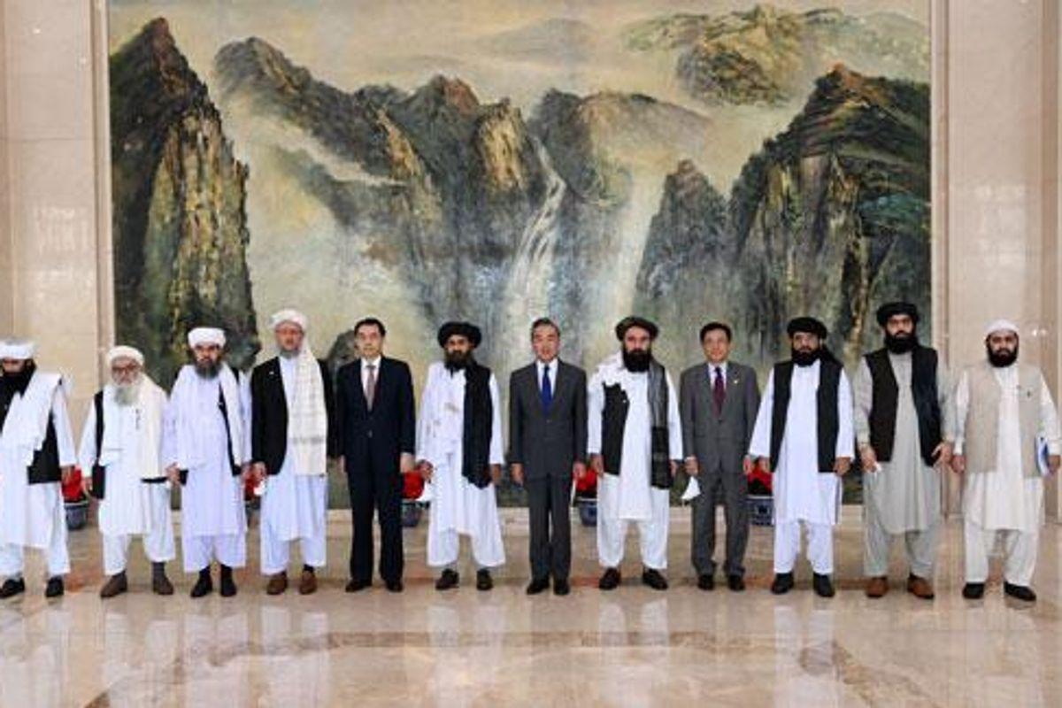 Porte girevoli in Afghanistan: via gli Usa, arriva la Cina