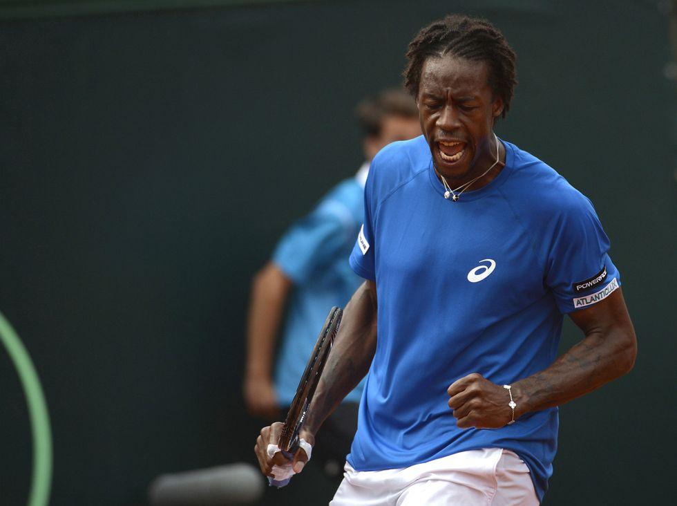 Tennis: il magico colpo sotto le gambe di Monfils