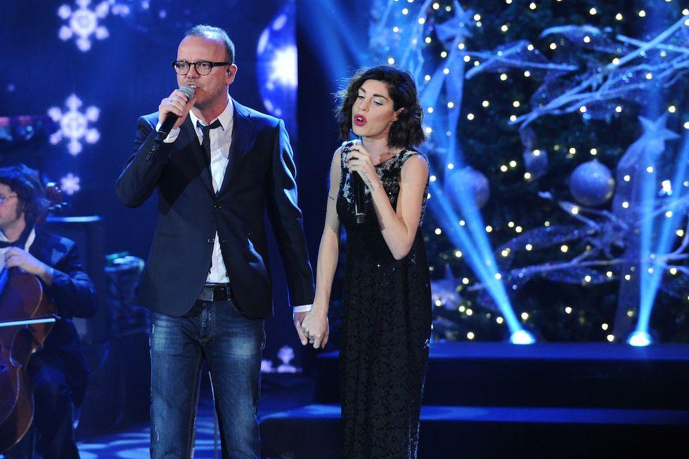 Gigi D'Alessio Bianca Atei Capodanno canale 5