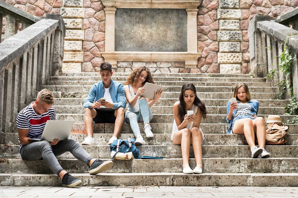 Senza pudore - La vita dei nostri figli sullo smartphone