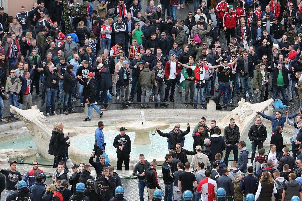 Hooligans a Roma: le forze dell'ordine dov'erano?