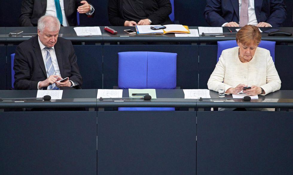 Horst Seehofer e Angela Merkel
