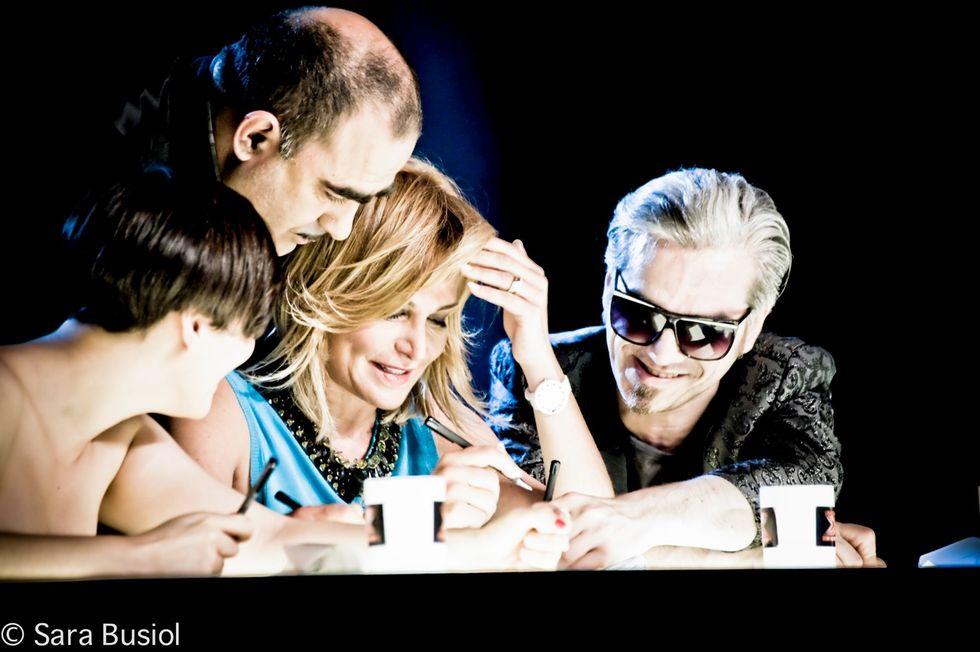 X Factor 6: al via il live show al Teatro della Luna. Ospiti Robbie Williams e Francesca Michielin