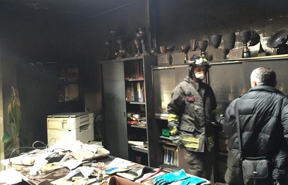 Un incendio doloso distrugge la sede del Club Scherma Jesi