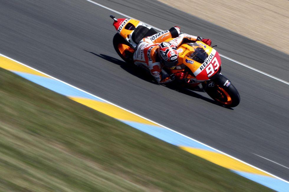 Marquez trionfa davanti a Rossi