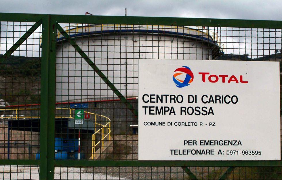 Scadalo petroli: quei legami sospetti tra il sottosegretario e il sindaco Vicino