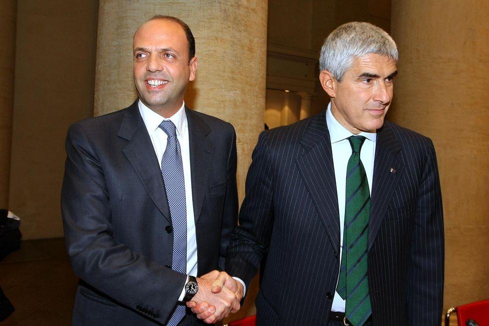Il passo indietro di Berlusconi inaugura le primarie nel centrodestra