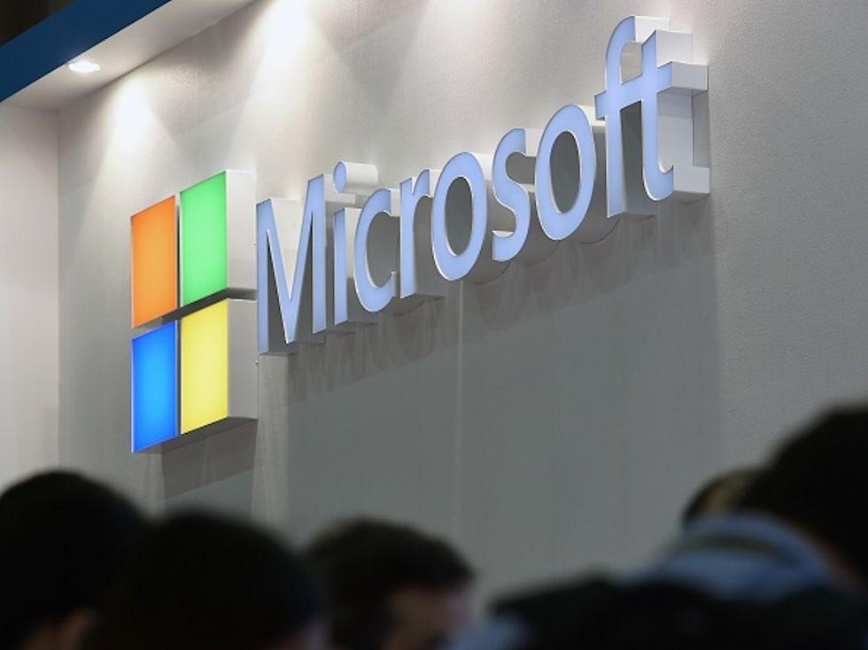 """Microsoft fa causa al governo Usa: """"Gli utenti devono sapere se sono spiati"""""""