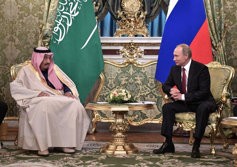 """La """"strategia russa"""" dell'Arabia Saudita"""