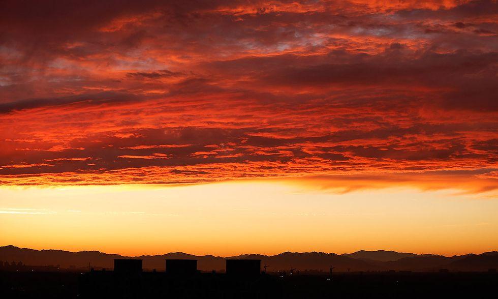 Il tramonto nel cielo di Pechino