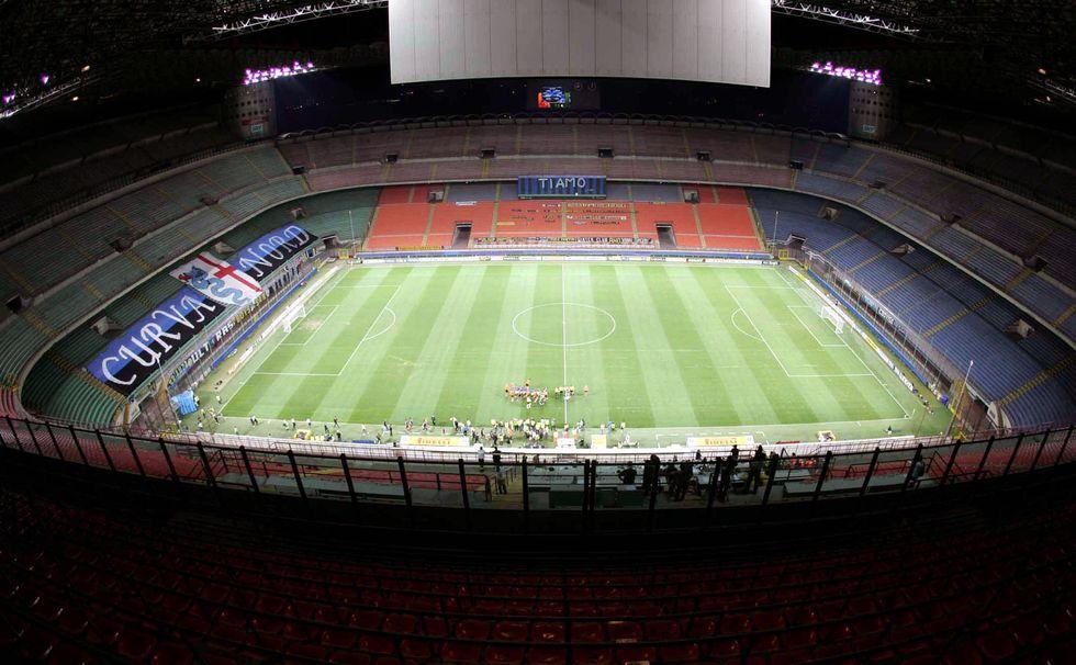 Milan, chiuso per razzismo. Ma il giudice salva l'Inter...