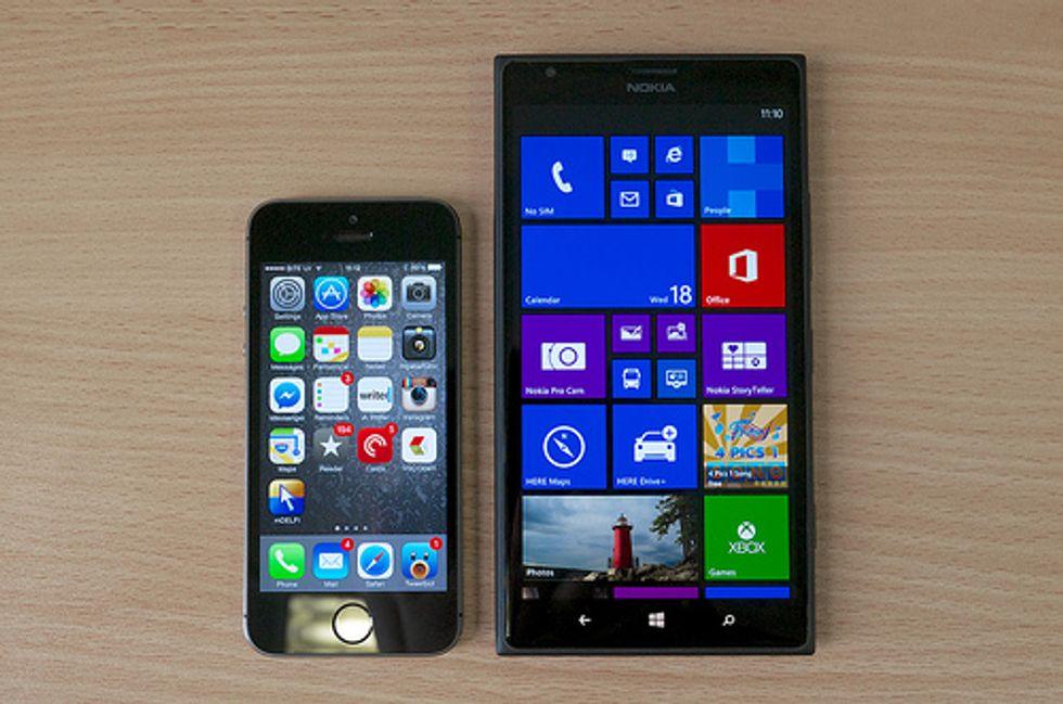 Lumia, perché gli italiani lo preferiscono all'iPhone