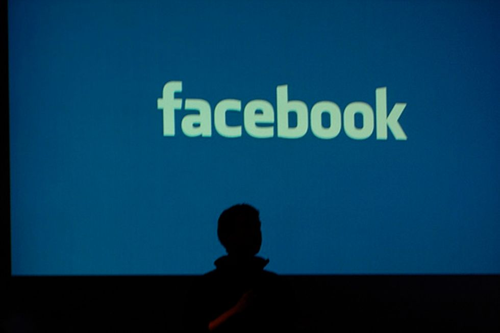 Facebook: 10 anni tra hacker e problemi di privacy