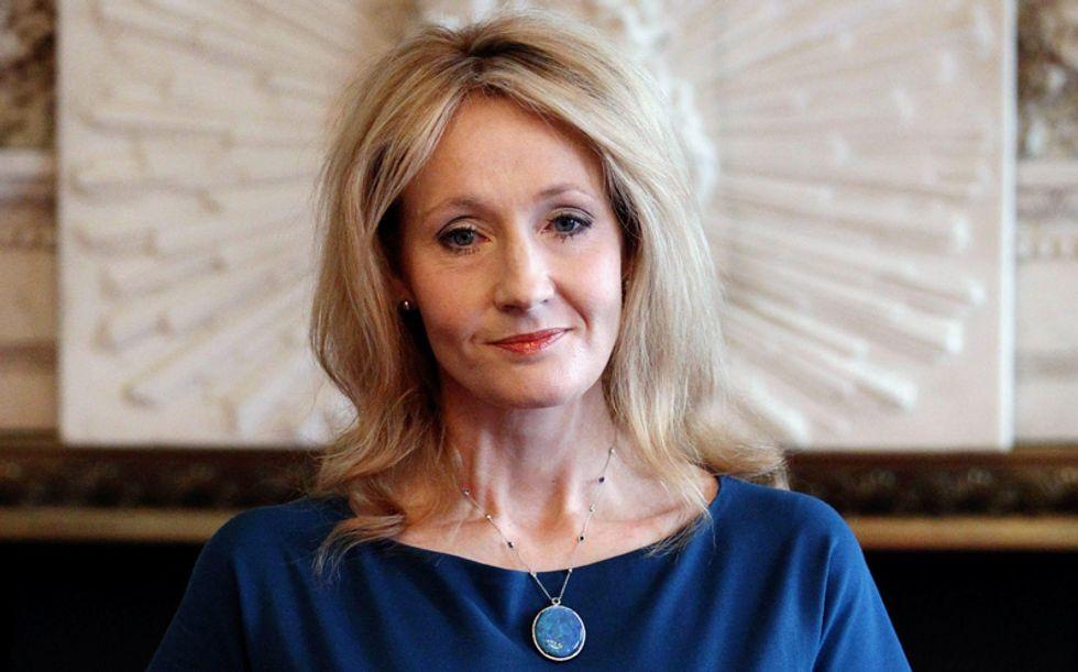 'Silkworm', J. K. Rowling torna al thriller