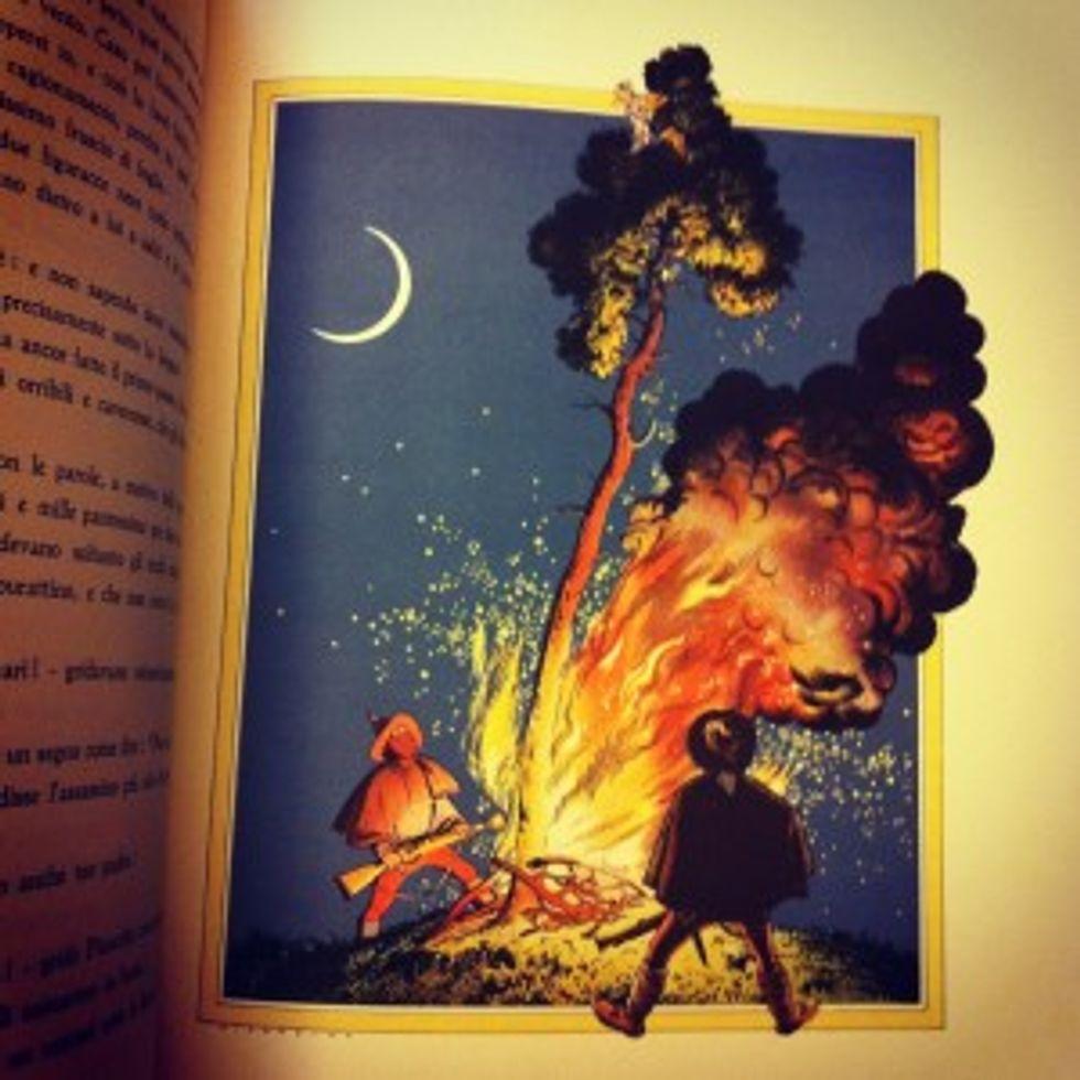 L'angolo del libro mi si è infilato sotto una costola