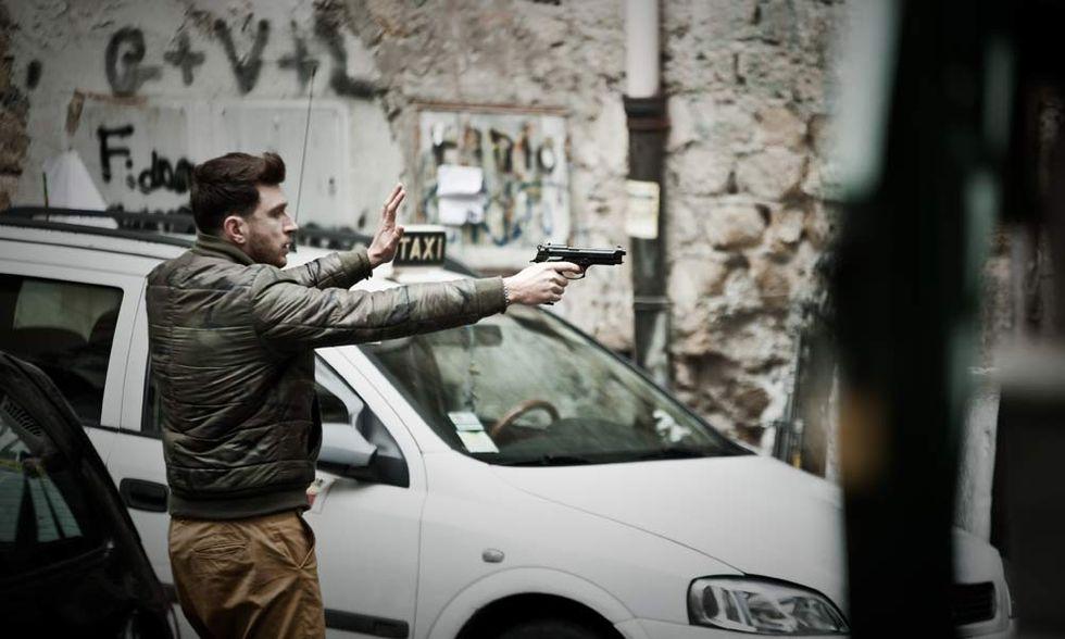 Song 'e Napule, la commedia poliziesca dei Manetti Bros. - Video in anteprima