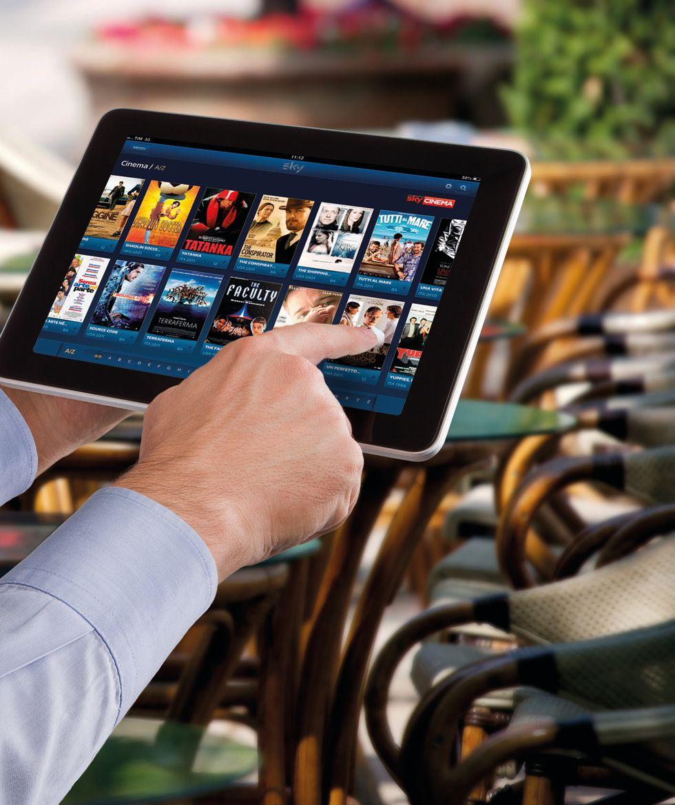 Sky: contenuti anche su tablet e smartphone Samsung
