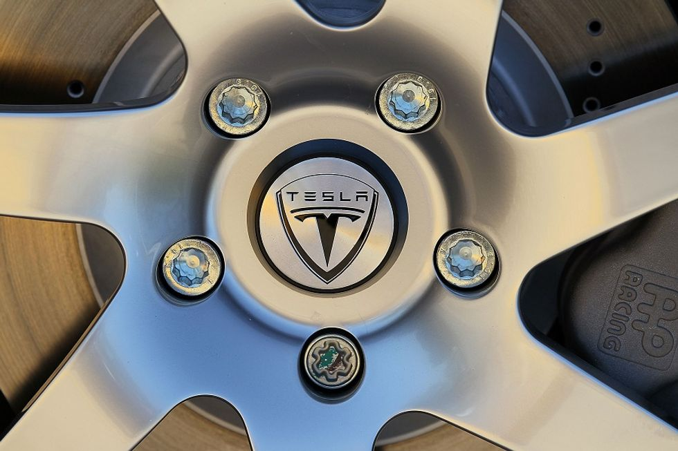 Tesla, un modello di business vincente per le auto elettriche