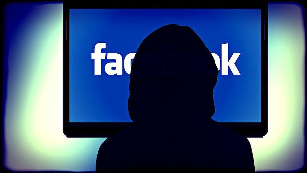 Facebook lancia l'Intelligenza Artificiale contro il suicidio