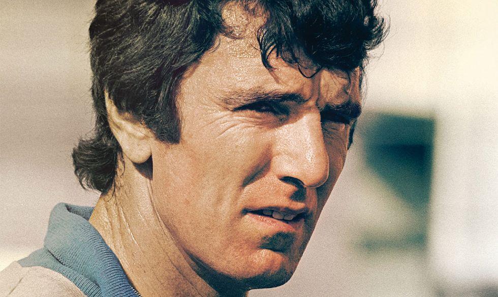 Le prime pagine del libro di Dino Zoff